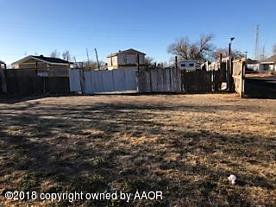 Photo of 2621 Ridgemere Blvd Amarillo, TX 79107