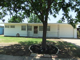 Photo of 2505 Rosewood Ln Pampa, TX 79065