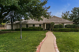 Photo of 14 COUNTRY CLUB DR Canyon, TX 79015
