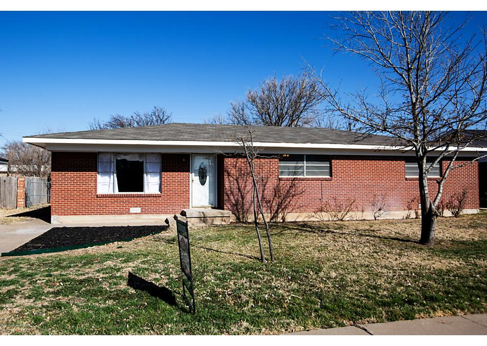 Photo of 1612 Maple Ave Panhandle, TX 79068
