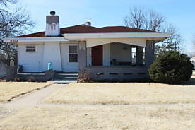Photo of 1002 McGee St Borger, TX 79007