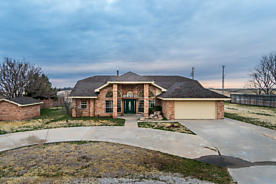 Photo of 117 Walnut Dr Pampa, TX 79065