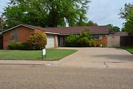 Photo of 1008 Oak St Dimmitt, TX 79027