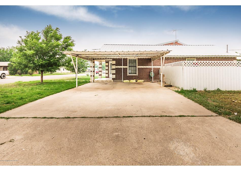 Photo of 900 OAK Panhandle, TX 79068