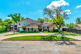 Photo of 807 Steele ST White Deer, TX 79097