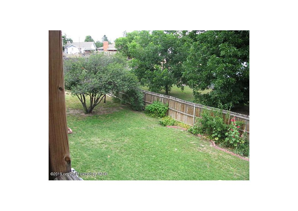 Photo of 813 Bungalow Ave Canadian, TX 79014
