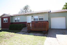 Photo of 2610 13TH AVE Canyon, TX 79015