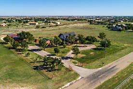 Photo of 310 COUNTRY CLUB DR Canyon, TX 79015
