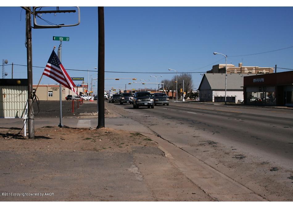 Photo of 902 Dumas Ave Dumas, TX 79029