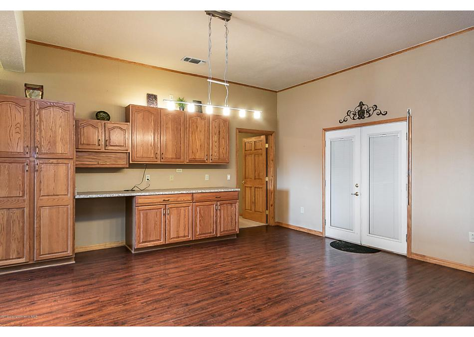 Photo of 706 5th St Sunray, TX 79086