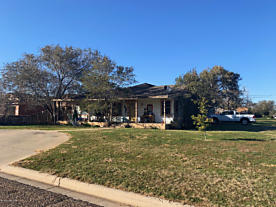 Photo of 509 9TH AVE Canyon, TX 79015