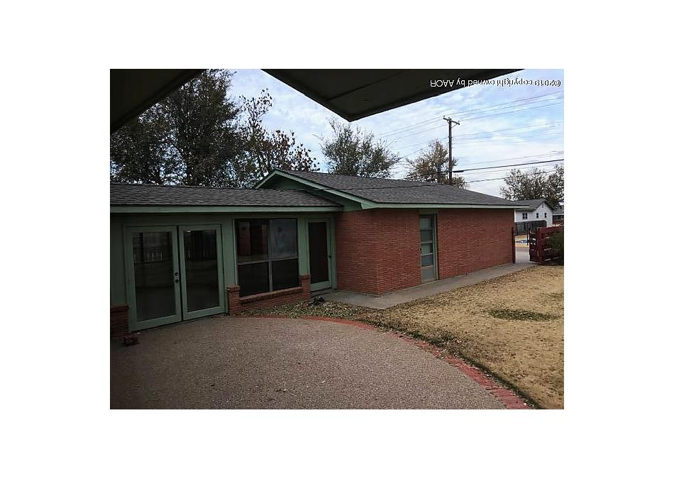 Photo of 1705 Eton St. Perryton, TX 79070