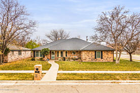 Photo of 6707 BAYSWATER RD Amarillo, TX 79109