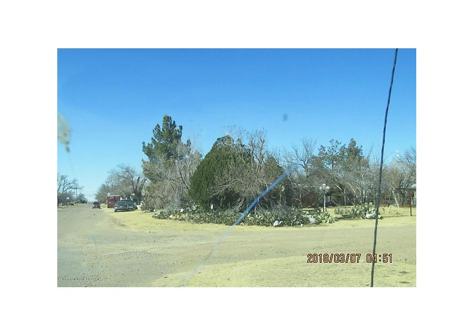 Photo of 313 Longwood S Fritch, TX 79036