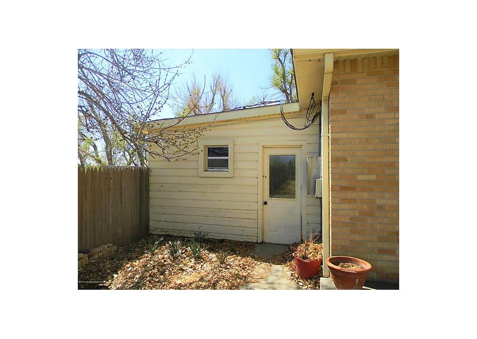Photo of 403 10th St Gruver, TX 79040