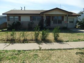 Photo of 1823 Nelson St Pampa, TX 79065