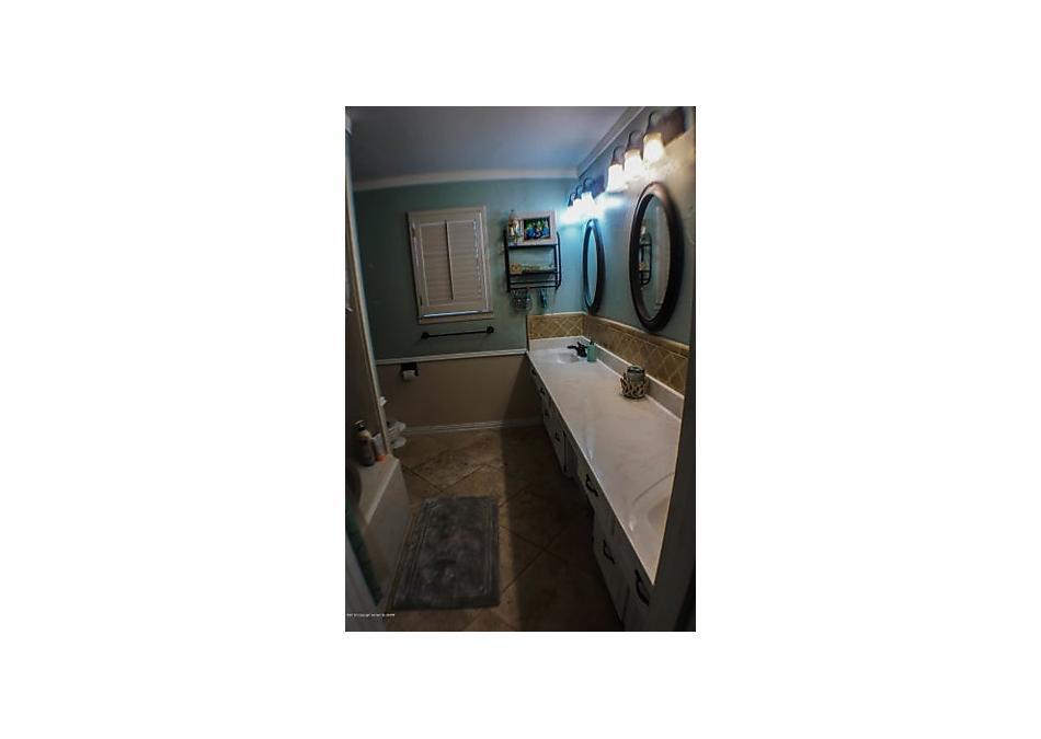 Photo of 1411 Bluebonnet St Borger, TX 79007