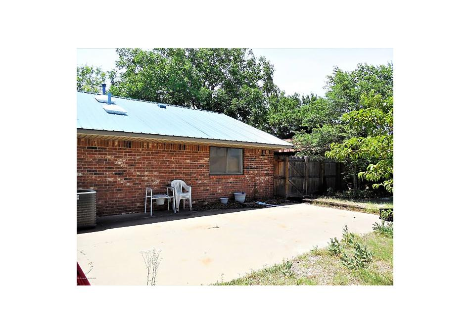 Photo of 810 Houston Street Shamrock, TX 79079