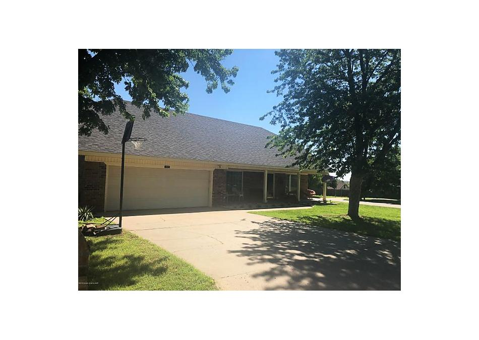 Photo of 225 Skycrest St Borger, TX 79007