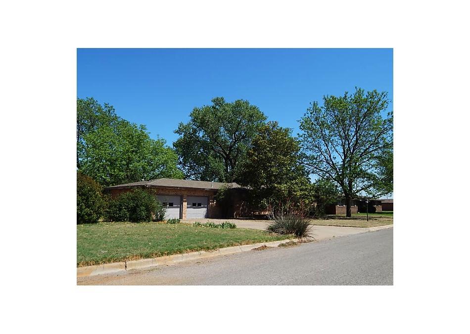 Photo of 1610 Corsicana Street Wellington, TX 79095