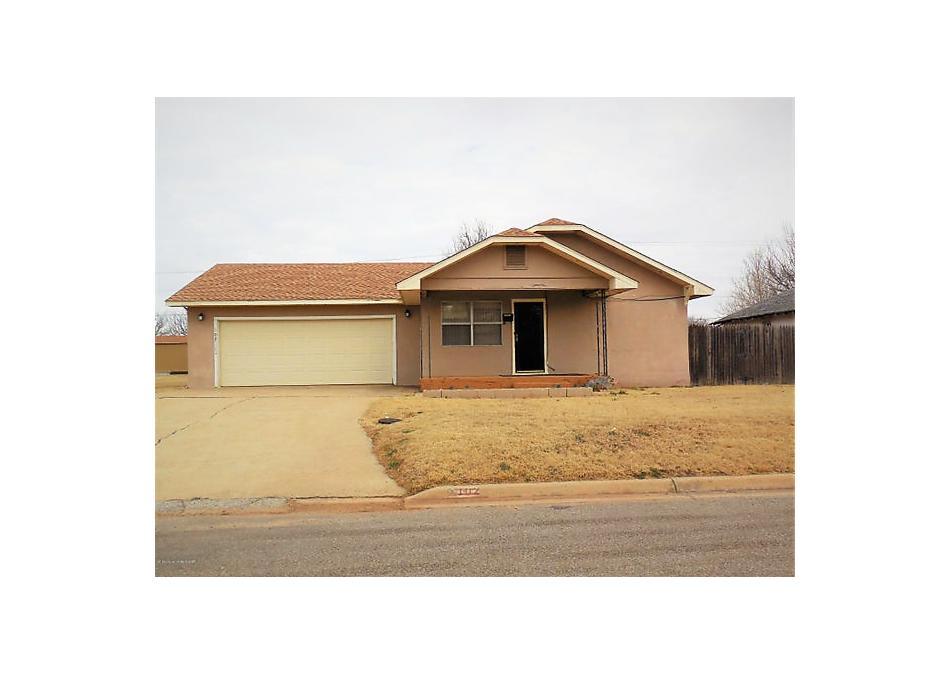 Photo of 102 S Iowa St Shamrock, TX 79079