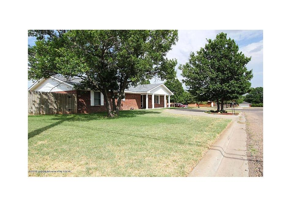 Photo of 227 Inverness St Borger, TX 79007