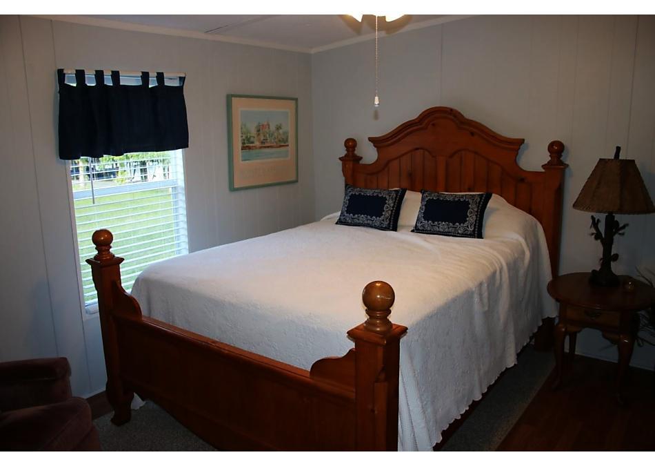 Photo of 302 Crescent Lake Shore Dr Crescent City, FL 32112