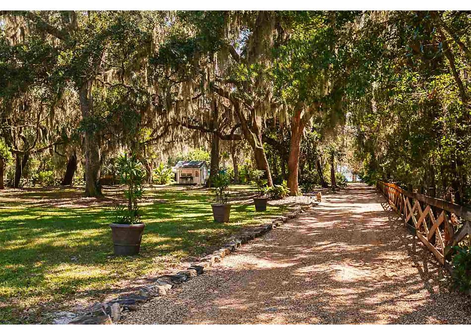 Photo of 379 W River Road Palatka, FL 32177