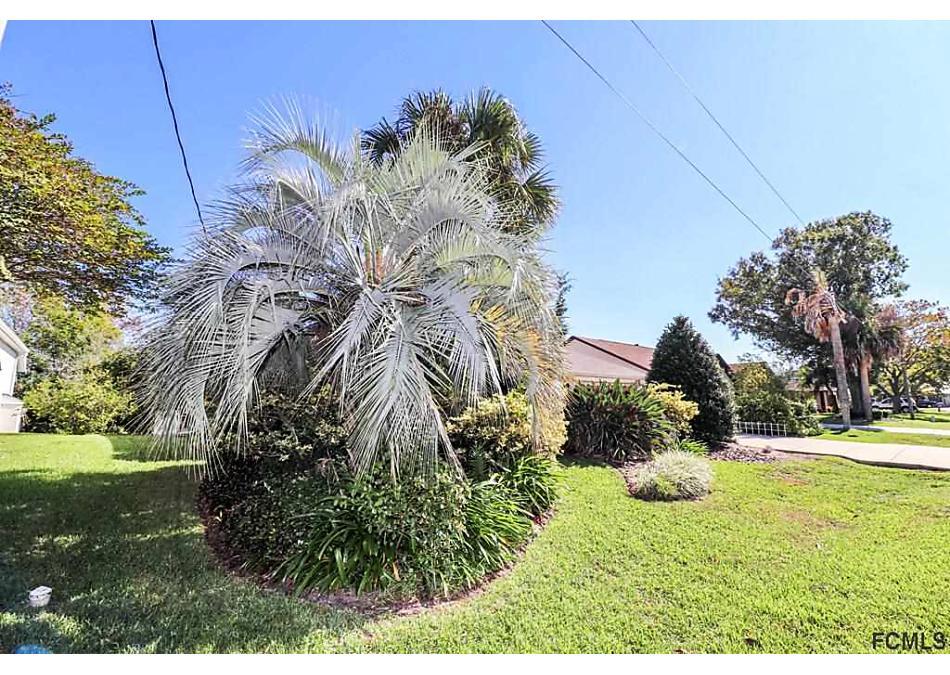 Photo of 13 S Crescent Ct Palm Coast, FL 32137