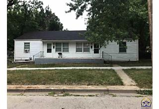 Photo of 1301 Sw 19th St Topeka, KS 66604