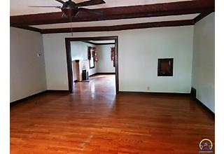 Photo of 1724 Sw Collins Ave Topeka, KS 66604