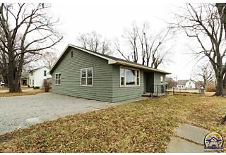 Photo of 400 Indiana Ave Holton, KS 66436