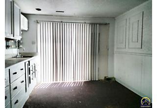 Photo of 2426 Se 29th St Topeka, KS 66605