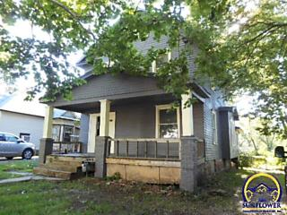 Photo of 2036 Sw Clay St Topeka, KS 66604