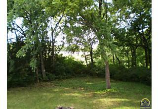Photo of 4100 Se Oakwood Ct Topeka, KS 66609