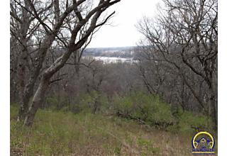 Photo of 825 Sw Auburn Rd Topeka, KS 66615