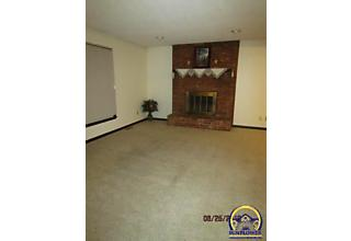 Photo of 3251 Sw Arrowhead Rd Topeka, KS 66614