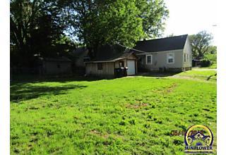 Photo of 2600 Se Kentucky Ave Topeka, KS 66605