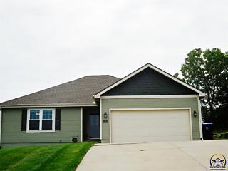 Photo of 930 Sw Woodbridge Pl Topeka, KS 66606