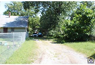 Photo of 2403 Se Virginia Ave Topeka, KS 66605