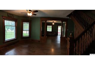 Photo of 402 Nw Cross Mt. Sterling, IL 62353