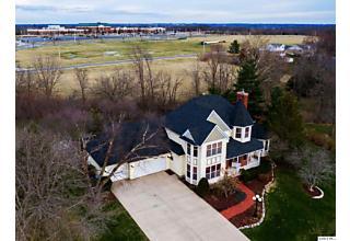 Photo of 1303 Peach Tree Lane Quincy, IL 62301