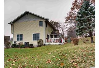 Photo of 5525 Greenbriar Ave Quincy, IL 62305