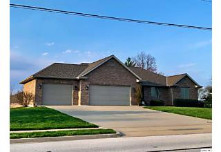 Photo of 3931 Harrison St Quincy, IL 62305