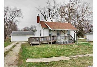 Photo of 404 E Green St Augusta, IL 62311