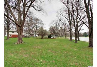 Photo of 2413 Lake Drive South Quincy, IL 62305