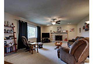 Photo of 809 Eastate Drive Quincy, IL 62305