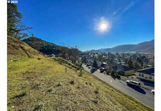 Photo of 647 North View Dr 58 Winchester, OR 97495
