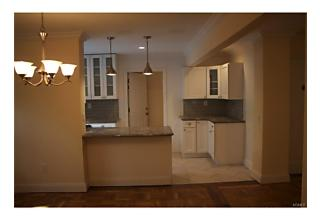 Photo of 60 White Oak Street New Rochelle, NY 10801