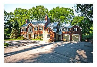 Photo of 400   Beechmont Drive New Rochelle, NY 10804